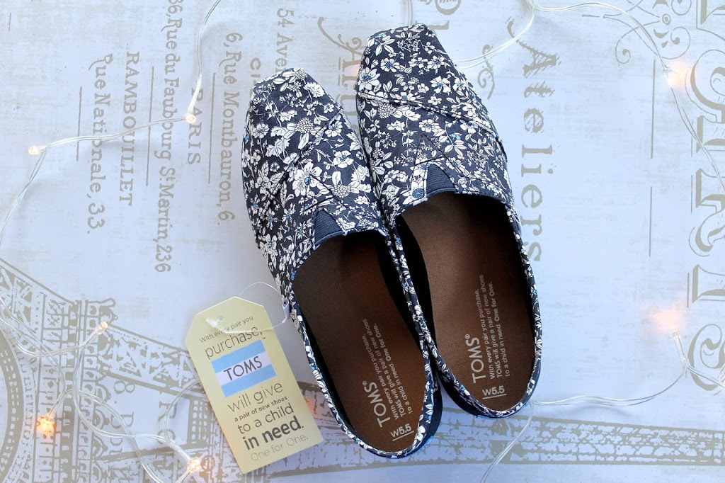 TOMS UK Blog Giveaway BecBoop