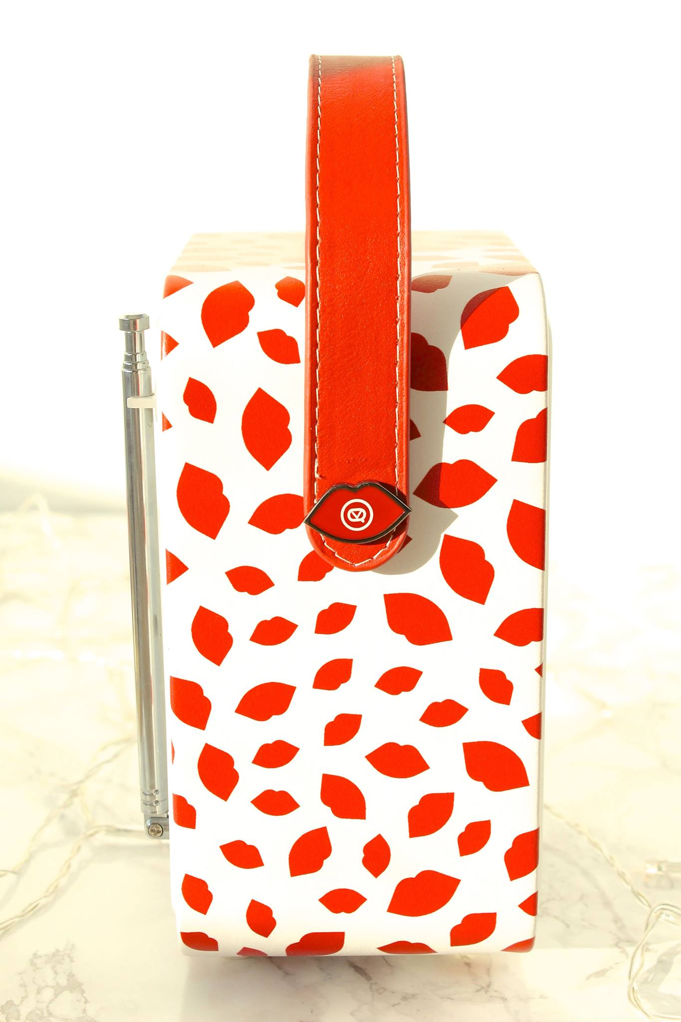 LULU GUINNESS PRINT RETRO MINI RADIO BLOG REVIEW