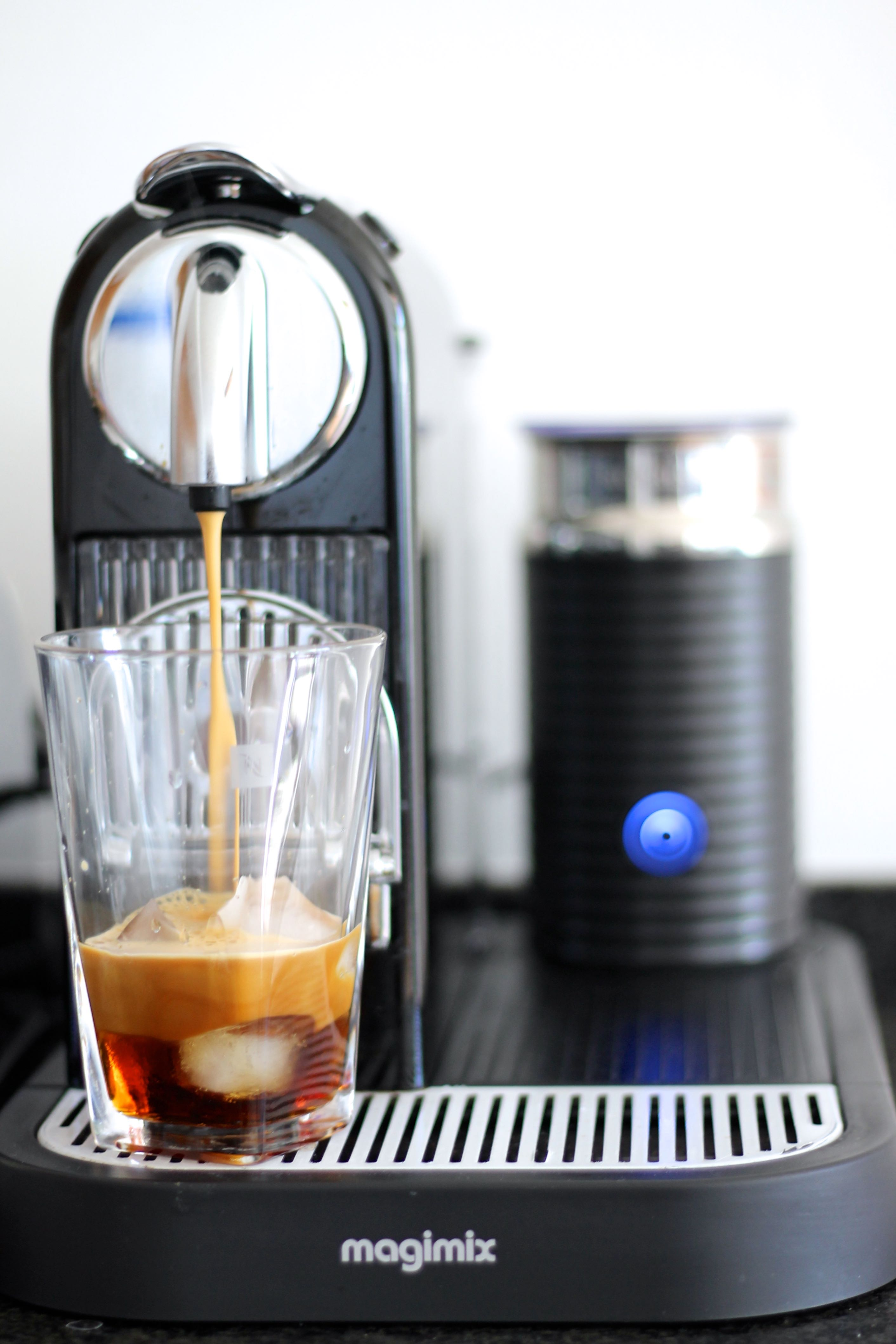 how to make iced caramel coffee
